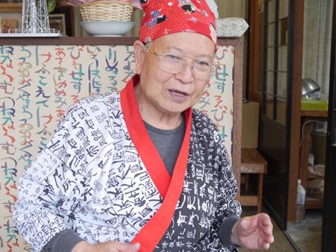 店主の橋本さん。キャンペーンはぶんぷくちゃがまの寺から駅まで歩いて思いついたそうだ。