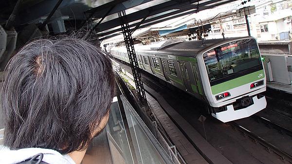 進むにつれ、電車に目がいくことが増えた