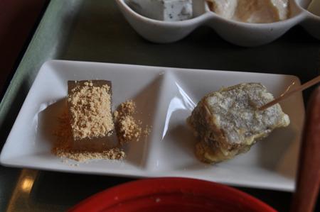 追撃、わらび餅とこんにゃくの天ぷら。双方ともに凄く美味い。