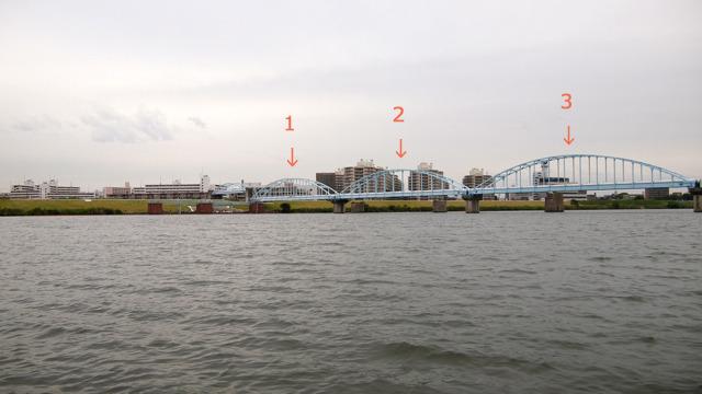 さっきの伏線、安藤忠雄橋と同じくらいの長さのアーチが