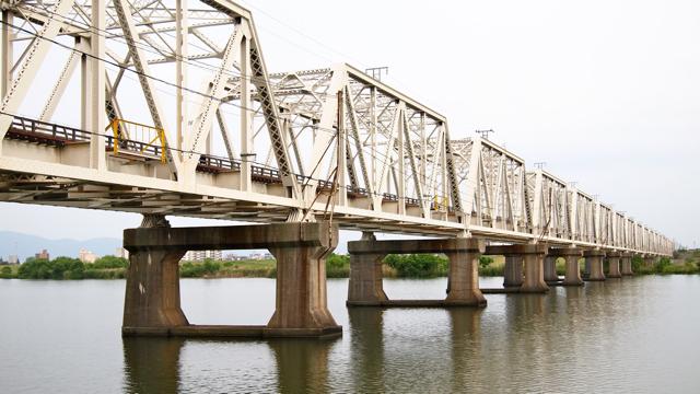 鉄橋、再び