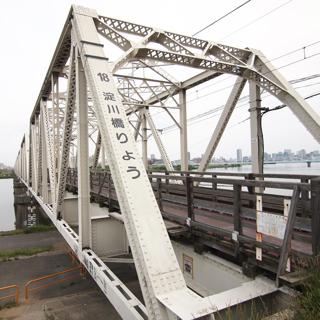 本当の名前は「淀川橋梁」である。そのままである。