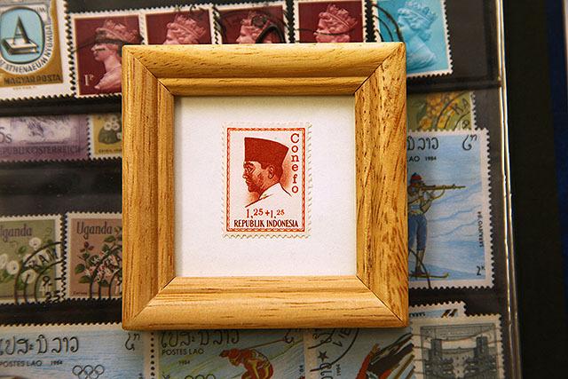 インドネシアの新興国会議の記念切手。多分。額に入れると肖像画みたいですな。