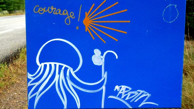サンティアゴ巡礼路で見かけた落書きを紹介します