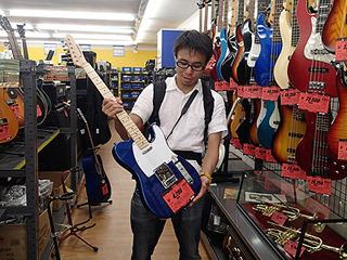 途中ギターを買おうとしていた。疲れは人の思考をダメにする!