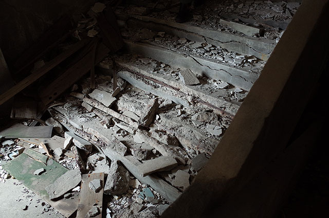 こういう階段を登る。