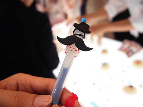 ボールペンに巻いてもかわいい。