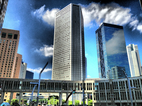 ドラマティックな新宿西口のビル群