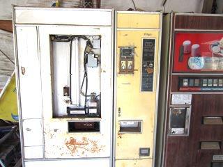 多分、元・うどん自販機。