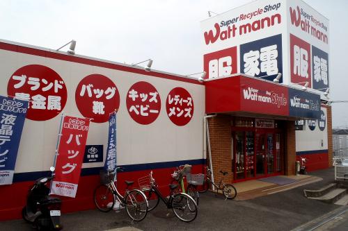 店内には外国人客も多かった(綾瀬市は人口の約4%が外国人で、国籍も多様だ)