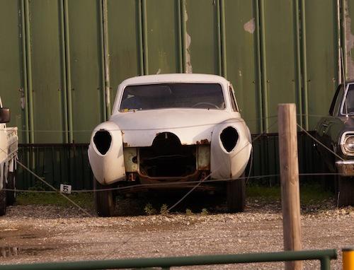 犬神家の一族の佐清(すけきよ) みたいな車がこわかった。