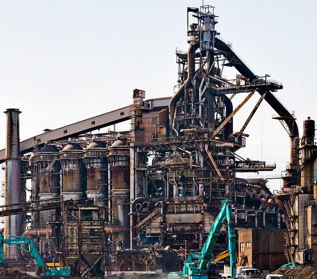 かっこいいといえば、工場。「さよなら、第五溶鉱炉</a>」で撮ったこの写真を金屏風の絵にしたい!