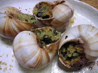 これは本物のエスカルゴ料理。高瀬さんの記事参照</a>。