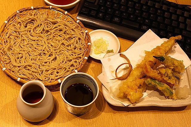『夕飯は家で蕎麦です!』みたいな事を言ってしまいたい。
