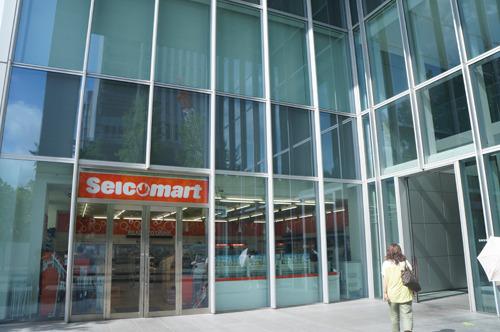 で、こちらは北海道に本社を置くコンビニチェーンのセイコーマート