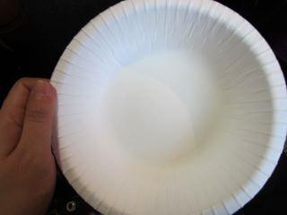 なぜか取り皿が有料(1枚15円)だったので購入。