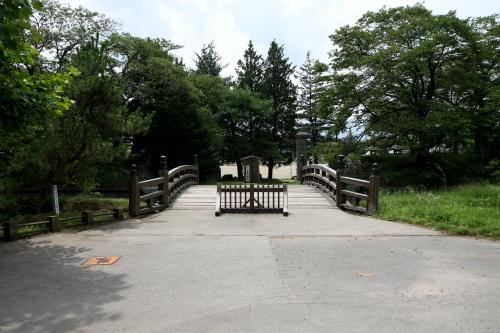 龍岡城の大手門(正面入り口)