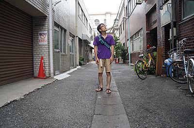 適当に外に出た。まだ日本です