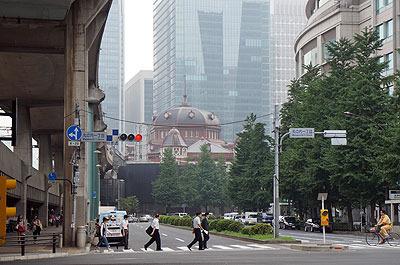 たとえば普通の街中歩いてて急に古い西洋風の建物が出てくると(東京駅)