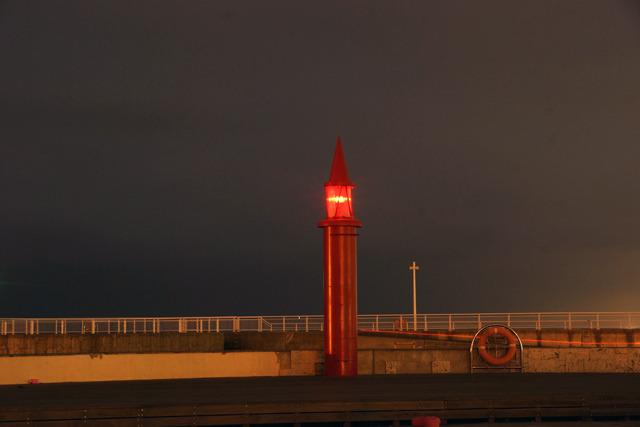 赤灯台も負けずにあやしい。