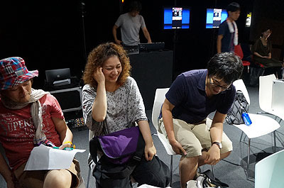 司会に石川(筆者)とウェブマスター林(左)、コメンテーターとしてライターのべつやく(中央)、西村(右)の計4人が出演