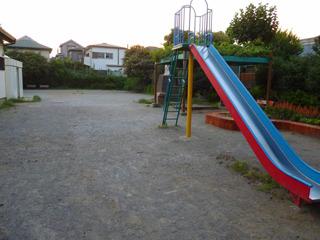 近所の公園にやって来たけどもう夕方