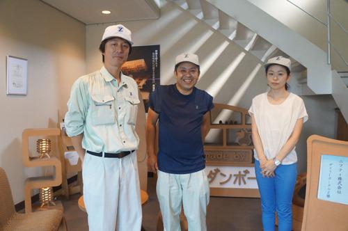 左から早坂さん、椎名さん、山上さん。ダンボール業界人のお3人! よろしくお願いします