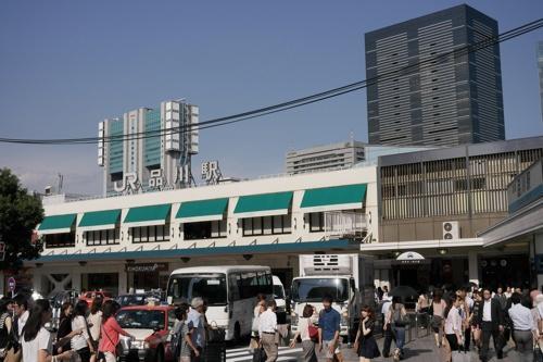 品川駅を出発