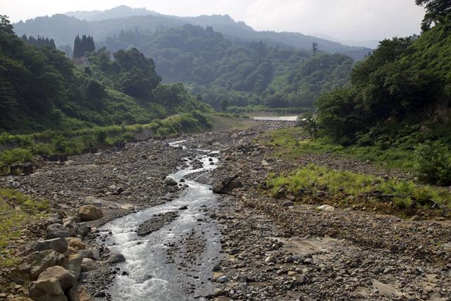 川幅が広い割に浅くてやけに土砂が多い