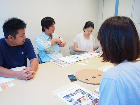 左から、山田ダンボール株式会社の椎名さん、早坂さん、山上さん。段プロの皆さんだ。