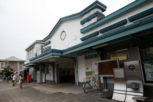 昭和8年(1933年)に建てられた、歴史ある駅舎だ