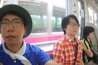 早朝、前夜のアルコールが残ったまま電車に