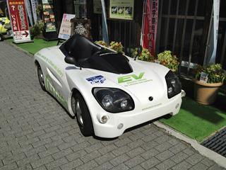 超かっこいいオープンのスポーツカー