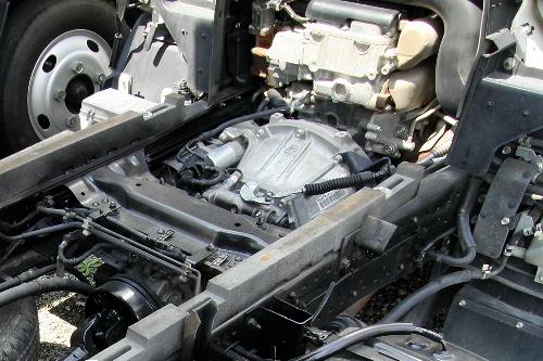 エンジン回り。構造は良く分からないが、見ているだけでわくわくしてくる