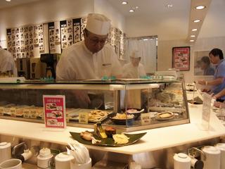 私についてくる人がいたら、立ち食い寿司屋にたどり着く可能性が高い