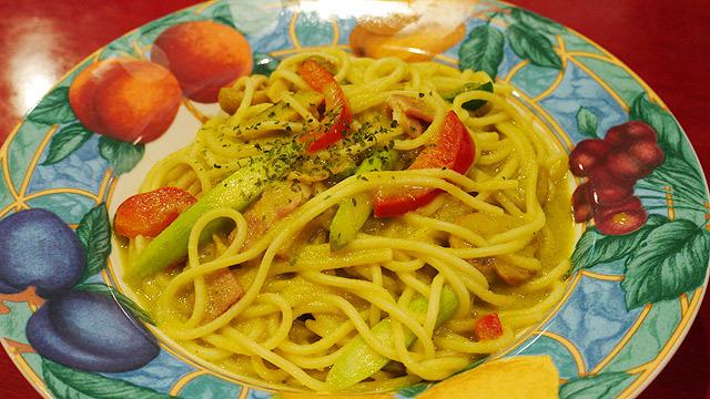 アスパラみどりカレースパゲッティー