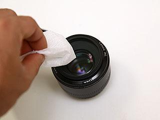 カメラのレンズを拭くのに便利。