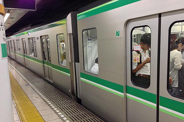 大手町を通る千代田線もキムワイプ!