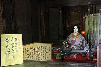 石山寺の紫式部さん。