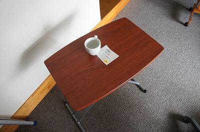 テーブルの上にあるメモ