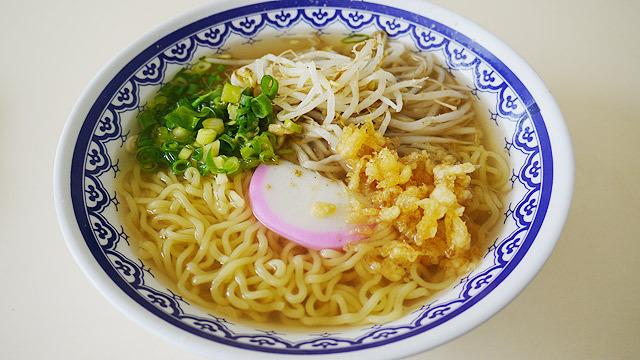 鳥取には「うどん+ラーメン」という料理があります!