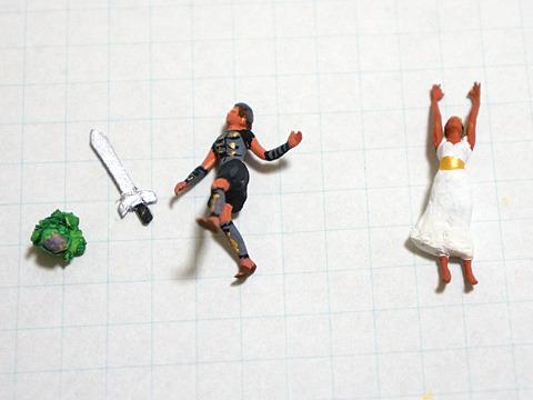 なんとか戦士っぽく塗ってみたペルセウスと、捕らわれのアンドロメダ。左端のレタスは何か、って?