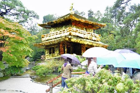 バーミキュライ閣寺(2013年建立)