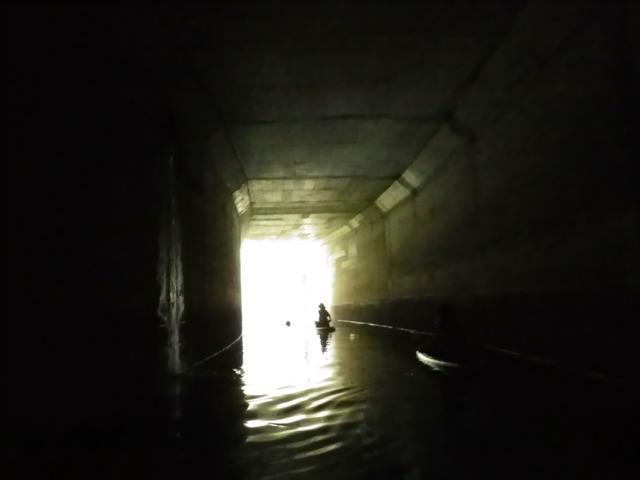 トンネルの出口ってなんだか神々しい
