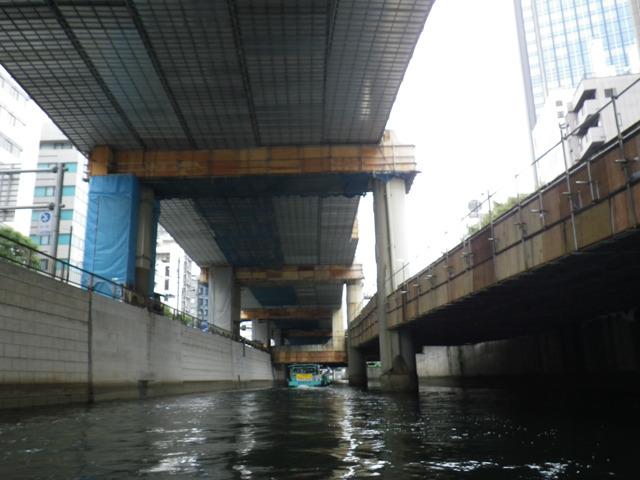 江戸川橋までは高速道路と並走してるので