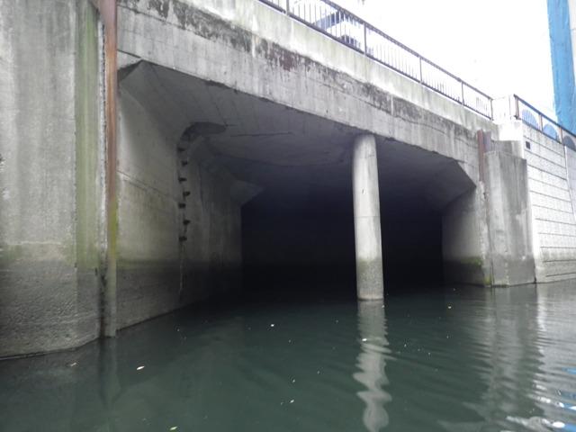 またすぐ次の分水路入り口があります。(地図C地点)