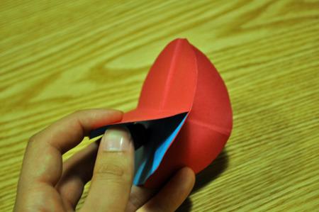 上のgifアニメは赤が二枚組み合わせて、ループしている風に装った。