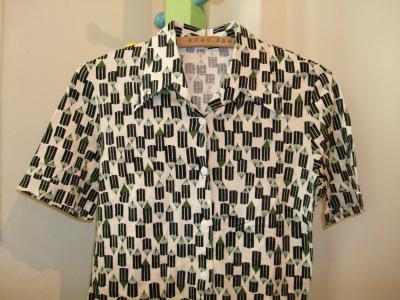 山台さんが最近買ってしまったという鉛筆柄のシャツ。ここまで来ると鉛筆に関係あるのかないのかスレスレ