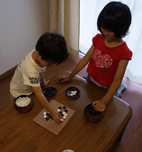 囲碁も意外に子供に人気。