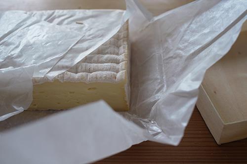 これが問題のチーズ。これのおかげで今も冷蔵庫の中が漬物の匂い。